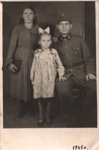 Dobrzańska Celestyna z rodzicami